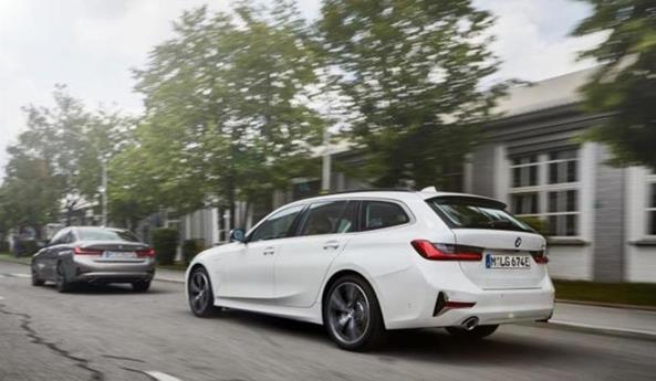 宝马3系将新增三款新车型 配备2.0T四缸发动机+135kW功率